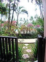 プーケット 5,000円以下のホテル : ドゥアンジット リゾート&スパ(Duangjitt Resort & Spa)の ファミリー スイートルームの設備 Entrance