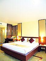 プーケット 5,000円以下のホテル : ドゥアンジット リゾート&スパ(Duangjitt Resort & Spa)のデラックス ガーデン ウィング(シングル)ルームの設備 Bedroom