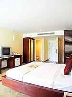 プーケット 5,000円以下のホテル : ドゥアンジット リゾート&スパ(Duangjitt Resort & Spa)のデラックス ガーデン ウィング(ツイン/ダブル)ルームの設備 Bedroom