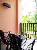 プーケット 5,000円以下のホテル : ドゥアンジット リゾート&スパ(Duangjitt Resort & Spa)のグランド デラックスルームの設備 Balcony