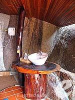 サムイ島 タオ島のホテル : ドゥシットブンチャ リゾート(Dusit Buncha Resort)のデラックス ヴィラルームの設備 Balcony