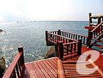 サムイ島 タオ島のホテル : ドゥシットブンチャ リゾート(Dusit Buncha Resort)のデラックス ヴィラ サンセットルームの設備 Balcony
