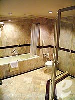 Bath Room : Junior Suite at Dusit Princess Srinakarin Bangkok, Suvarnbhumi Airport, Bangkok