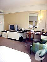 バンコク シーロム・サトーン周辺のホテル : デュシット タニ バンコク(Dusit Thani Bangkok)のスーペリアルームの設備 Bedroom