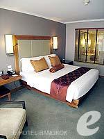 バンコク シーロム・サトーン周辺のホテル : デュシット タニ バンコク(Dusit Thani Bangkok)のデラックスルームの設備 Bedroom