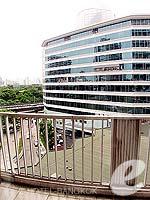 バンコク シーロム・サトーン周辺のホテル : デュシット タニ バンコク(Dusit Thani Bangkok)のデラックスルームの設備 Balcony