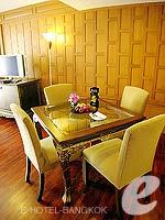 バンコク シーロム・サトーン周辺のホテル : デュシット タニ バンコク(Dusit Thani Bangkok)のタイ ヘリテイジ スイートルームの設備 Living Room