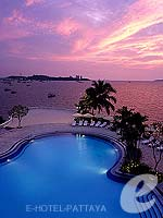 Swimming Pool : Dusit Thani Pattaya, USD 100 to 200, Phuket
