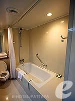 パタヤ ノースパタヤのホテル : デュシット タニ パタヤ(Dusit Thani Pattaya)のデラックス ガーデンビュールームの設備 Bathroom