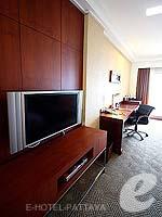 パタヤ ノースパタヤのホテル : デュシット タニ パタヤ(Dusit Thani Pattaya)のクラブ グランドルームの設備 TV