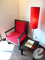 パタヤ サウスパタヤのホテル : サンビーム ホテル パタヤ(Sunbeam Hotel Pattaya)のスーペリア (シングル)ルームの設備 Sitting Area
