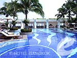 Swimming Pool : Emporium Suites by Chatrium, Sukhumvit, Phuket