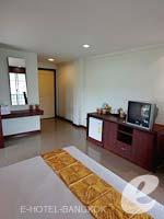 バンコク スワンナプーム空港周辺のホテル : フローラル シャイア リゾート(Floral Shire Resort)のスーペリア シングル ウィズ ブレックファーストルームの設備 Bedroom