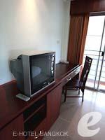 バンコク スワンナプーム空港周辺のホテル : フローラル シャイア リゾート(Floral Shire Resort)のスーペリア シングル ウィズ ブレックファーストルームの設備 Facilities