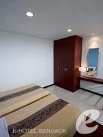 バンコク スワンナプーム空港周辺のホテル : フローラル シャイア リゾート(Floral Shire Resort)のデラックスルームの設備 Bedroom