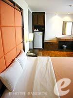 バンコク シーロム・サトーン周辺のホテル : フォー ユー レジデンス(For You Residence)のスタンダード ルームオンリールームの設備 Bedroom