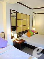 バンコク スクンビットのホテル : グランド ビジネス イン(Grand Business Inn)のエグゼクティブ ダブルルームの設備 Bedroom
