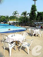 Poolside Restaurant / Grand Jomtien Palace