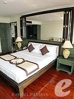 パタヤ ジョムティエンビーチのホテル : グランド ジョムティエン パレス(Grand Jomtien Palace)のジュニア スイート メインウィングルームの設備 Bedroom