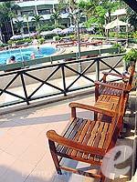 パタヤ ジョムティエンビーチのホテル : グランド ジョムティエン パレス(Grand Jomtien Palace)のコテージルームの設備 Chair