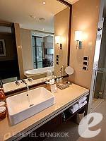 バンコク スクンビットのホテル : プルマン バンコク グランデ スクンヴィット (Pullman Bangkok Grande Sukhumvit)のデラックス(シングル)ルームの設備 Bathroom