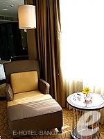 バンコク スクンビットのホテル : プルマン バンコク グランデ スクンヴィット (Pullman Bangkok Grande Sukhumvit)のデラックス(ツイン/ダブル)ルームの設備 Sofa