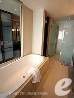 バンコク スクンビットのホテル : プルマン バンコク グランデ スクンヴィット (Pullman Bangkok Grande Sukhumvit)のエグゼクティブ クラブ(シングル)ルームの設備 Bathroom
