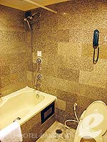 バンコク スクンビットのホテル : グランド プレジデント(Grand President)のオパール スタジオルームの設備 Bathroom
