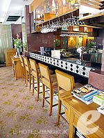 Lobby Lounge : Grand Tower Inn, Free Wifi, Phuket