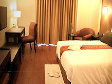 バンコク ファミリー&グループのホテル : グランド タワー イン(Grand Tower Inn)のお部屋「デラックス ルーム ツイン/ダブル」