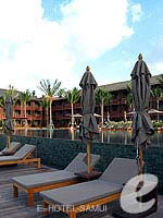 Poolside Deck : Hansar Samui Resort & Spa, Bophut Beach, Phuket