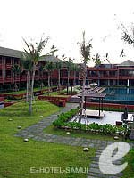 Garden : Hansar Samui Resort & Spa, Couple & Honeymoon, Phuket