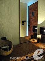 サムイ島 オーシャンビューのホテル : ハンサー サムイ リゾート & スパ(Hansar Samui Resort & Spa)のシービュー XL ルームルームの設備 Dresser