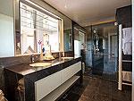 サムイ島 チョンモーンビーチのホテル : ヒルトップ4(Hill Top Villa 4)の5ベッドルームルームの設備 Bath Room