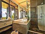 サムイ島 チョンモーンビーチのホテル : ヒルトップ4(Hill Top Villa 4)の8ベッドルームルームの設備 Bath Room