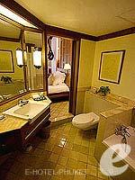 プーケット カロンビーチのホテル : ヒルトン プーケット アルカディア & スパ(Hilton Phuket Arcadia Resort & Spa)のデラックス ガーデンビュールームの設備 Bath Room