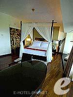 プーケット カロンビーチのホテル : ヒルトン プーケット アルカディア & スパ(Hilton Phuket Arcadia Resort & Spa)のジュニア スイート シービュールームの設備 Bedroom