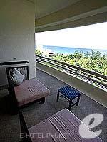 プーケット カロンビーチのホテル : ヒルトン プーケット アルカディア & スパ(Hilton Phuket Arcadia Resort & Spa)のジュニア スイート シービュールームの設備 Balcony