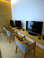 Internet Corner / Holiday Inn Resort Phuket Mai Khao Beach, ติดกับสระว่ายน้ำ