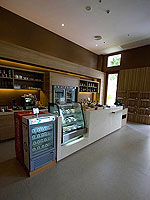 Resort Centre Deli / Holiday Inn Resort Phuket Mai Khao Beach, ติดกับสระว่ายน้ำ