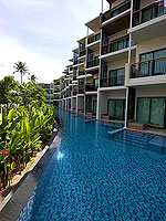 Pool Access / Holiday Inn Resort Phuket Mai Khao Beach, ติดกับสระว่ายน้ำ