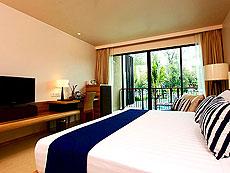 プーケット スパ併設のホテル : ホリデーイン リゾート プーケット マイカオ ビーチ(1)のお部屋「デラックス プールアクセス」