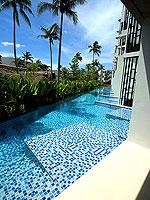 プーケット スパ併設のホテル : ホリデーイン リゾート プーケット マイカオ ビーチ(Holiday Inn Resort Phuket Mai Khao Beach)のジュニア スイート プール アクセスルームの設備 Pool Access