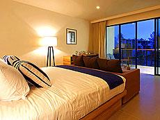 プーケット スパ併設のホテル : ホリデーイン リゾート プーケット マイカオ ビーチ(1)のお部屋「ジュニア スイート プール アクセス」