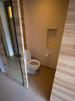 プーケット スパ併設のホテル : ホリデーイン リゾート プーケット マイカオ ビーチ(Holiday Inn Resort Phuket Mai Khao Beach)のキッズ スイートルームの設備 Bath Room