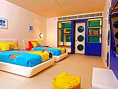 プーケット スパ併設のホテル : ホリデーイン リゾート プーケット マイカオ ビーチ(1)のお部屋「ファミリー スイート」
