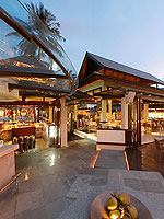 Tarrazzo Ristorante & Bar / Holiday Inn Resort Phuket, ติดกับสระว่ายน้ำ