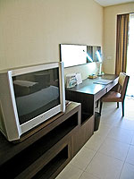 プーケット ファミリー&グループのホテル : ホリデーイン リゾート プーケット(Holiday Inn Resort Phuket)のスーペリアルームの設備 AV Facilities