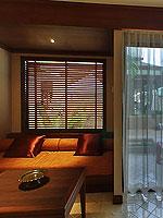 プーケット ファミリー&グループのホテル : ホリデーイン リゾート プーケット(Holiday Inn Resort Phuket)のブサコーン スタジオルームの設備 Living Area