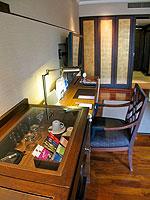 プーケット 10,000~20,000円のホテル : ホリデーイン リゾート プーケット(Holiday Inn Resort Phuket)のブサコン ヴィラ プール アクセスルームの設備 Table